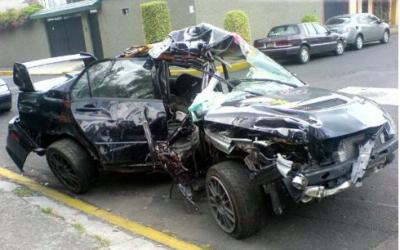Livsfarliga bilar säljs i Sverige